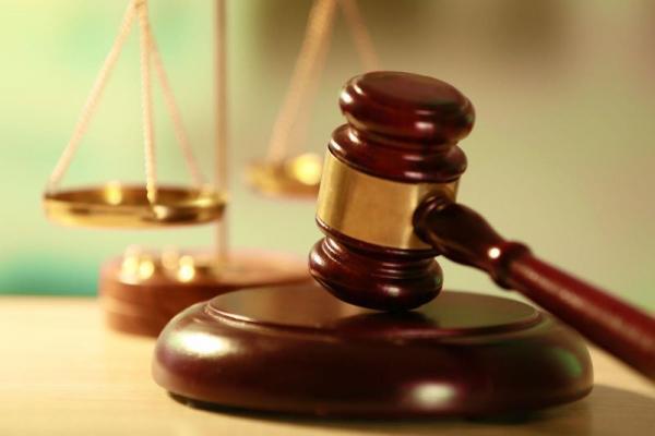 A szülő és a gyermek kapcsolattartásának zavartalansága személyiségi jogi alapon is vizsgálandó