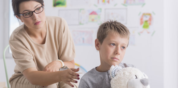 Szülői elidegenítés: amit a terapeutáknak tudniuk kell