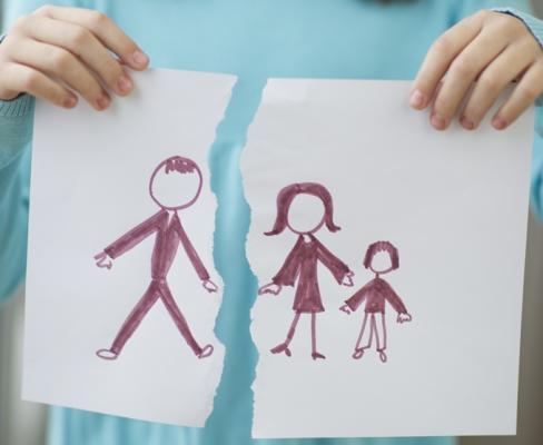 De vajon van helye egyáltalán az új kapcsolatnak, a szerelemnek egy egyedülálló szülő életében?
